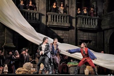 50923-romeo-juliette-vittorio-grigolo-as-romeo-and-elliot-madore-as-mercutio-c-ken-howard-met-opera-resized